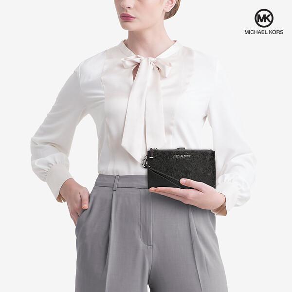 [블랙딜~11/30까지]  Michael Kors 마이클 코어스 Adele Double-Zip Pebble Leather Wristlet 클러치백 (Black)