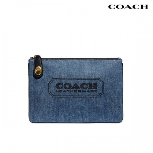 COACH 코치 Turnlock Pouch 26 with Coach Badge 파우치
