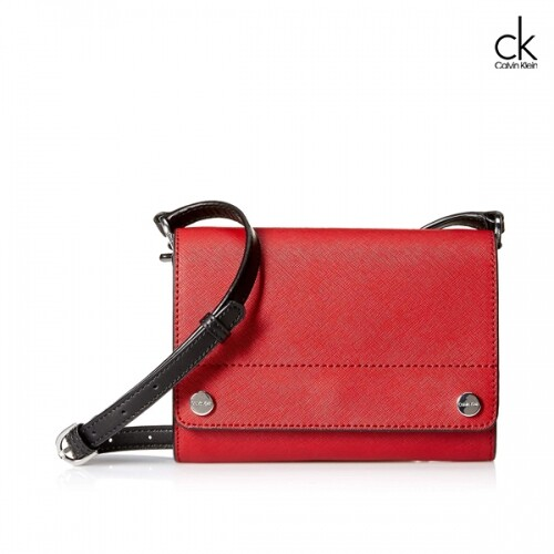 Calvin Klein 캘빈클라인 Saffiano Leather Flap Over Small Crossbody 크로스백