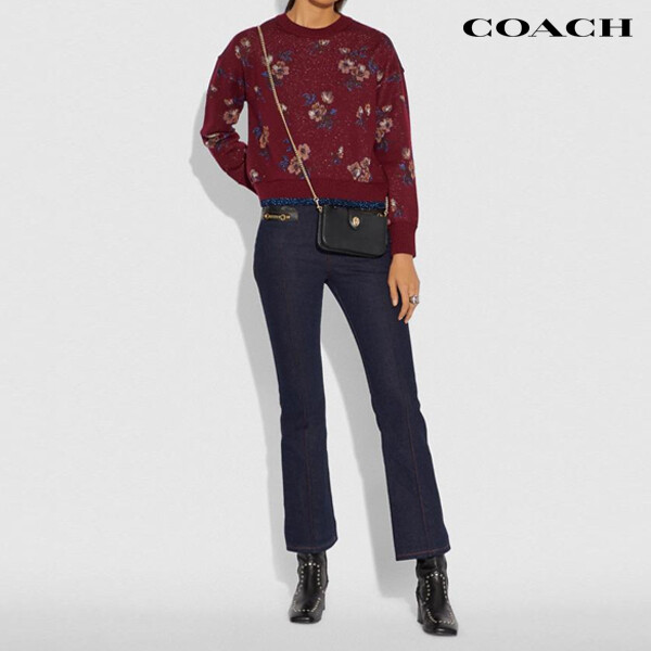COACH 코치 Smooth Leather Turnlock Crossbody 크로스백