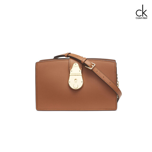 Calvin Klein 캘빈 클라인 Series Lock Daytonna Leather Chain 크로스백
