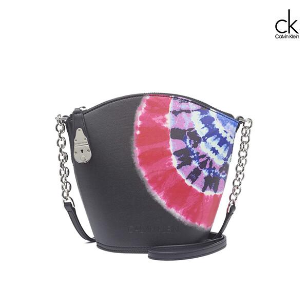 Calvin Klein 캘빈클라인 Lock Crossbody Black MultiSilver 크로스백
