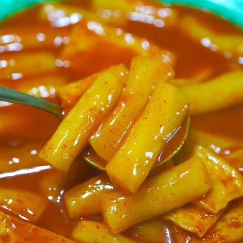 [2+1] 도끼떡볶이 생밀떡으로 만든 학교 앞 분식 떡볶이 무료배송 (2인분1팩+1인분1팩)